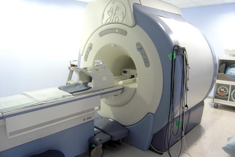 clinica-quiros-resonancia-magnetica-05