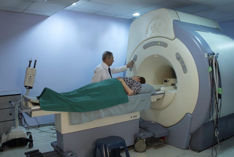 clinica-quiros-resonancia-magnetica-06