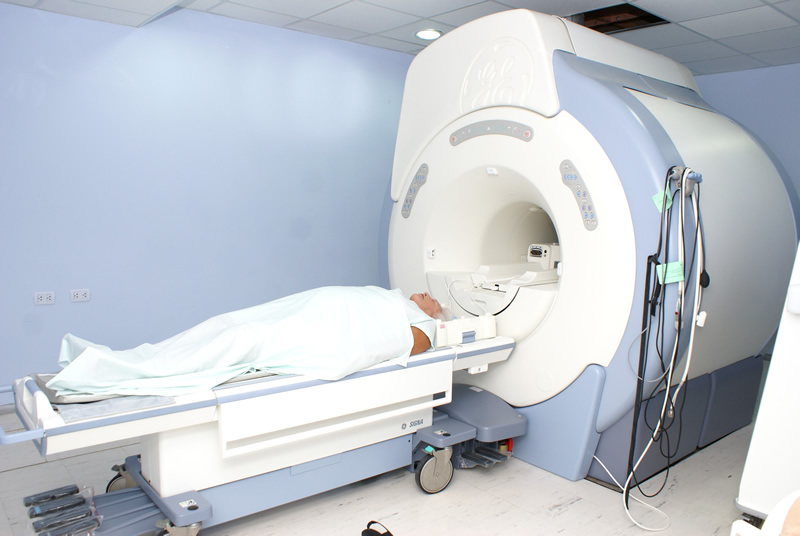 clinica-quiros-resonancia-magnetica-07